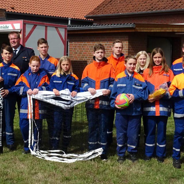 Kreiswettbewerb-Übergabe der Volleyball Ausrüstung