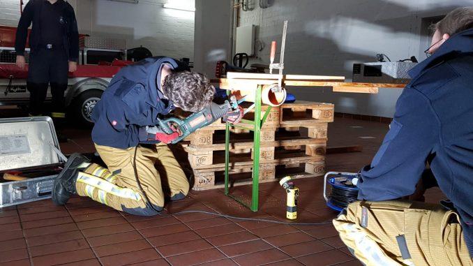 Übungsdienst-Maschinenunfälle-Ofw-Osterholz-Scharmbeck