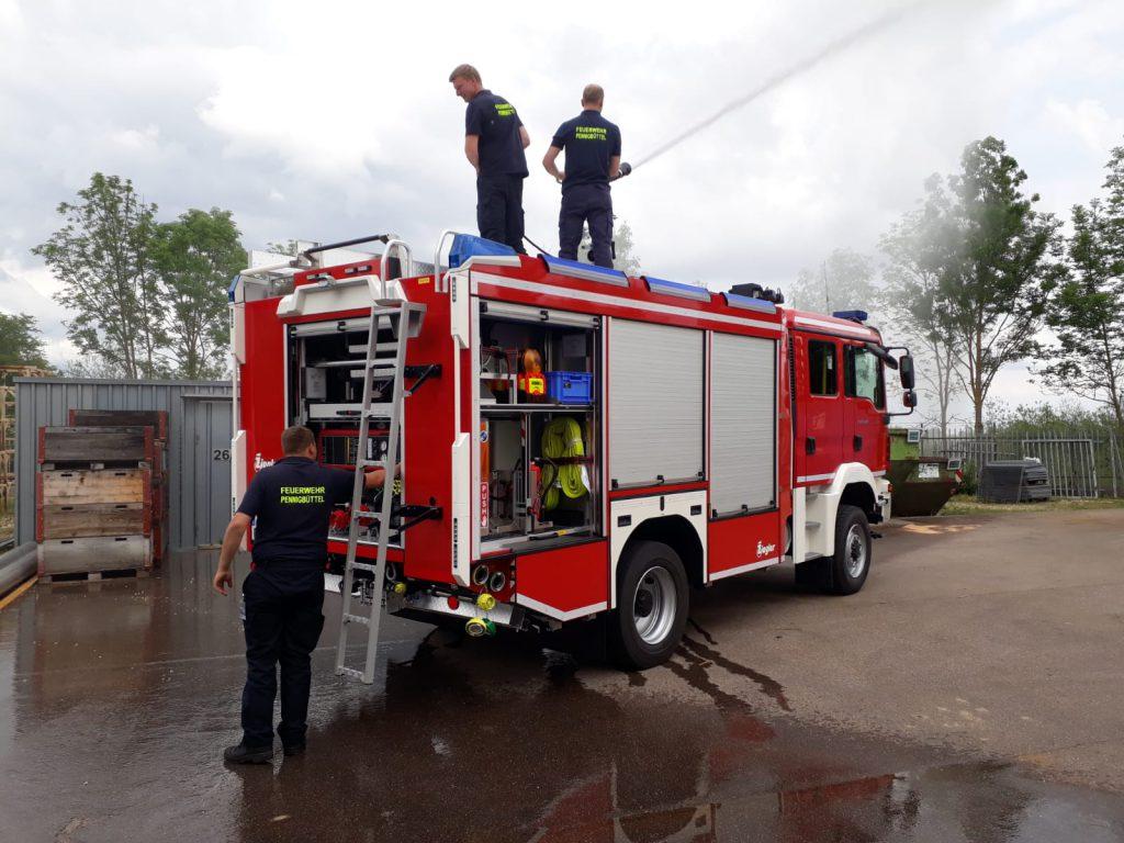 Ofw Pennigbüttel - TLF3000 - Testen des Wasserwerfers
