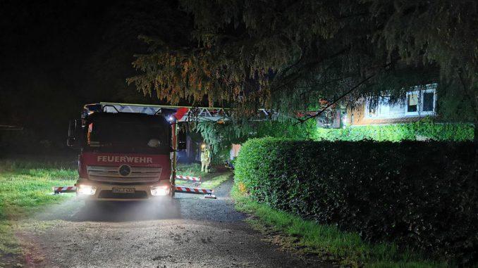 Einsatz - Ofw Osterholz-Scharmbeck - Drehleiter - Tragehilfe für Rettungsdienst