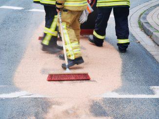 Einsatz - Ölspur - freiwillige Feuerwehr Osterholz-Scharmbeck