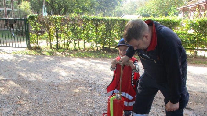 Freißenbüttel - Feuerwehrtag- Kindergarten 1